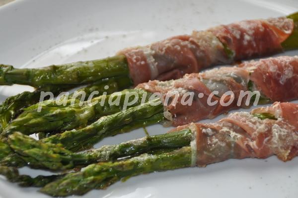 Involtini asparagi e crudo
